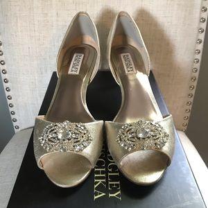 Badgley Mischka Embellished Gold Peep-Toe Heels ✨
